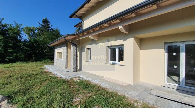Bungalow for sale in Luvinate