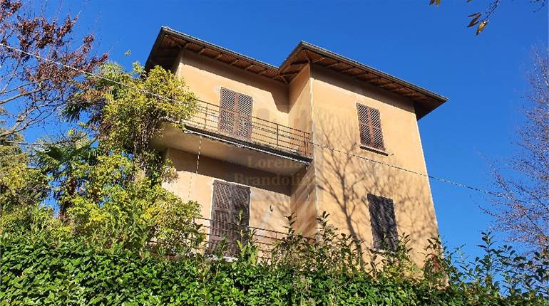Town House for sale in Varese