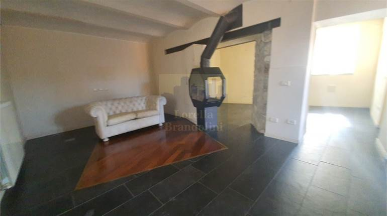 Semi Detached House for sale in Varese